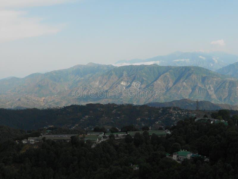 Горы на рано утром стоковое фото rf