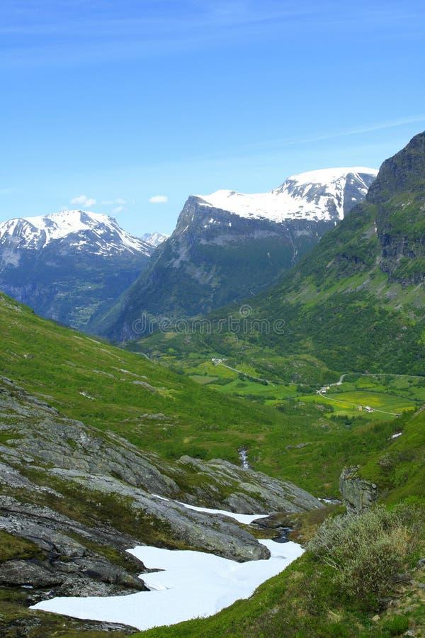 горы норвежские стоковая фотография rf