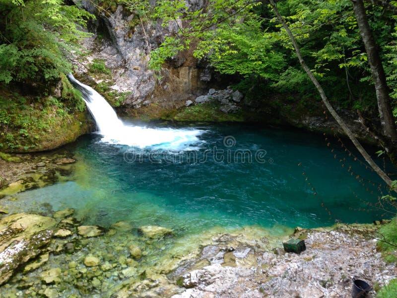 Горы озера албанских Альп стоковое изображение rf