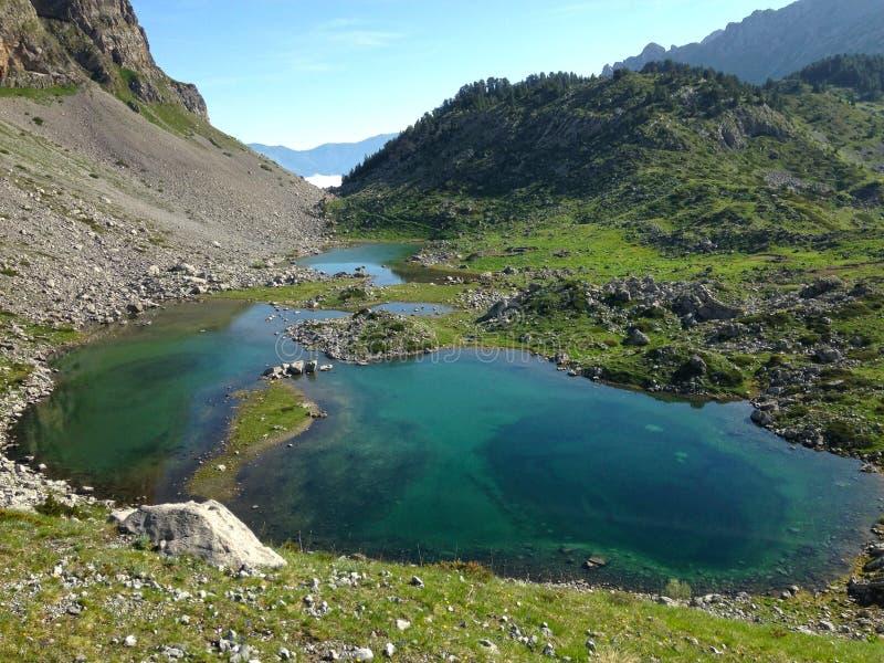 Горы озера албанских Альп стоковое изображение