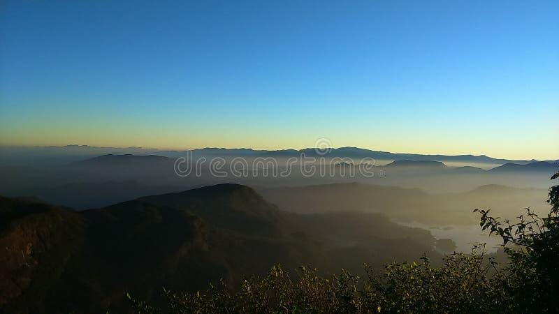 Горы около пика ` s Адама стоковые изображения