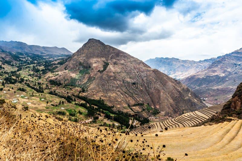 Горы около цивилизации Incas, Pisac, Перу стоковое фото