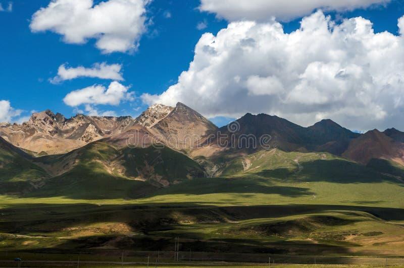 Горы плато покрытые снегом стоковые фотографии rf