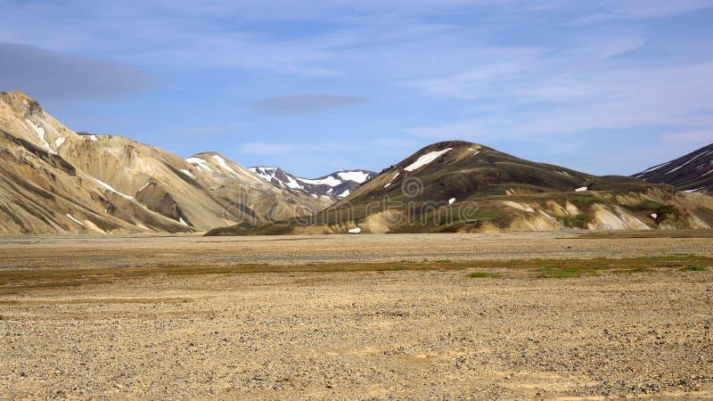 Горы радуги на Исландии стоковые изображения rf
