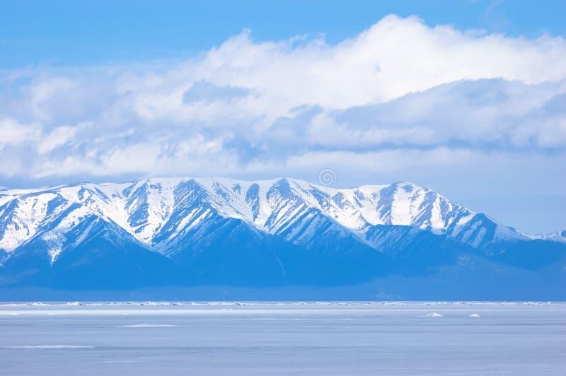горы сини baikal стоковое изображение rf