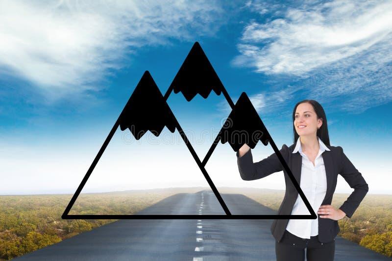 Горы чертежа бизнес-леди на дороге иллюстрация штока