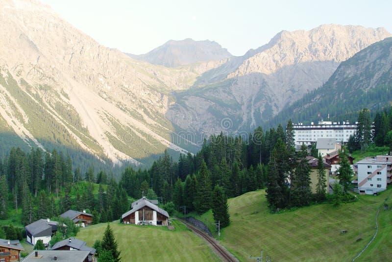 горы швейцарские стоковое изображение rf
