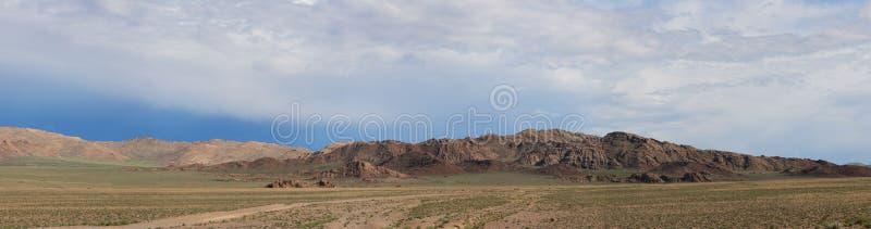 Горы Altai. Красивейший ландшафт гористой местности стоковые изображения