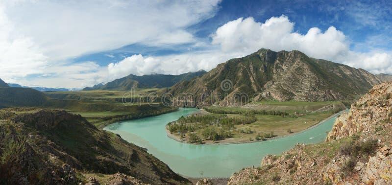 Горы Altai. Красивейший ландшафт гористой местности стоковые фото
