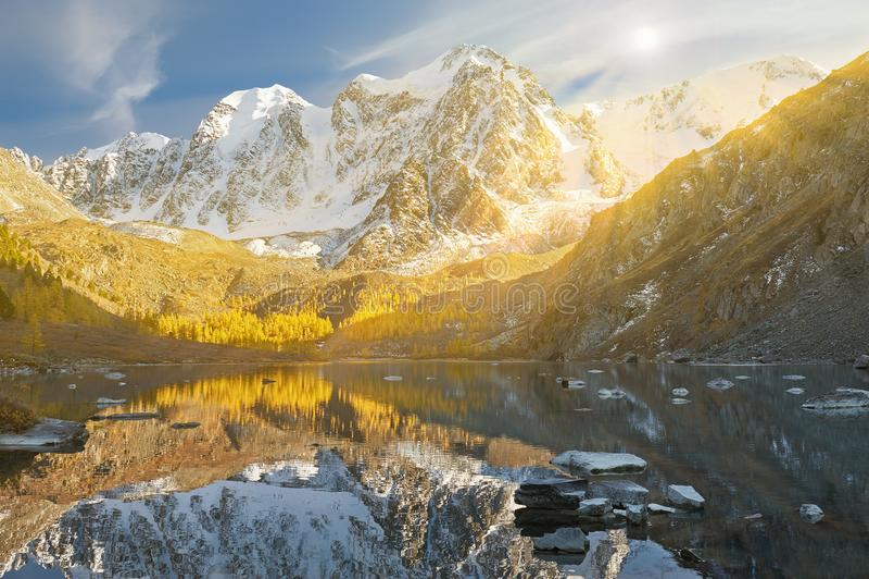 Горы Altai, Россия, Сибирь стоковое фото rf