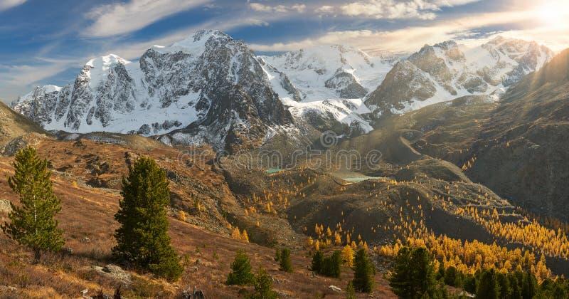 Горы Altai, Россия, Сибирь стоковое изображение