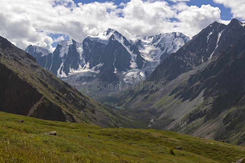 Горы Altai, Россия стоковое фото rf