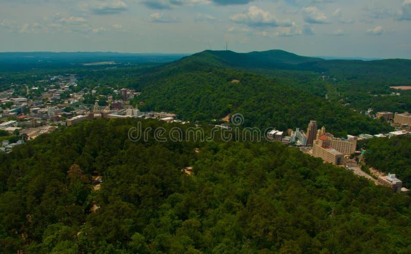 Горы Ozark страны холма положения зеленого цвета Арканзаса горячего источника стоковая фотография rf