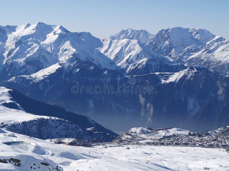 Горы Snowy стоковая фотография rf