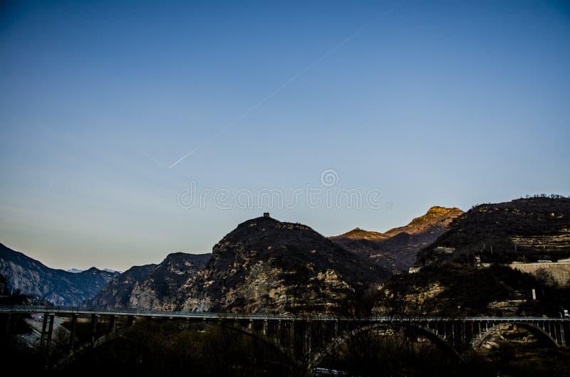 Горы Yan на ноче, Пекине стоковое фото
