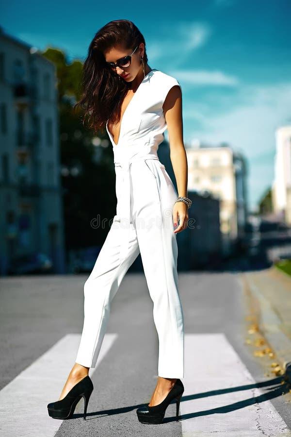 Девушки модели в белогорскоспаривается александр гончаров фотограф