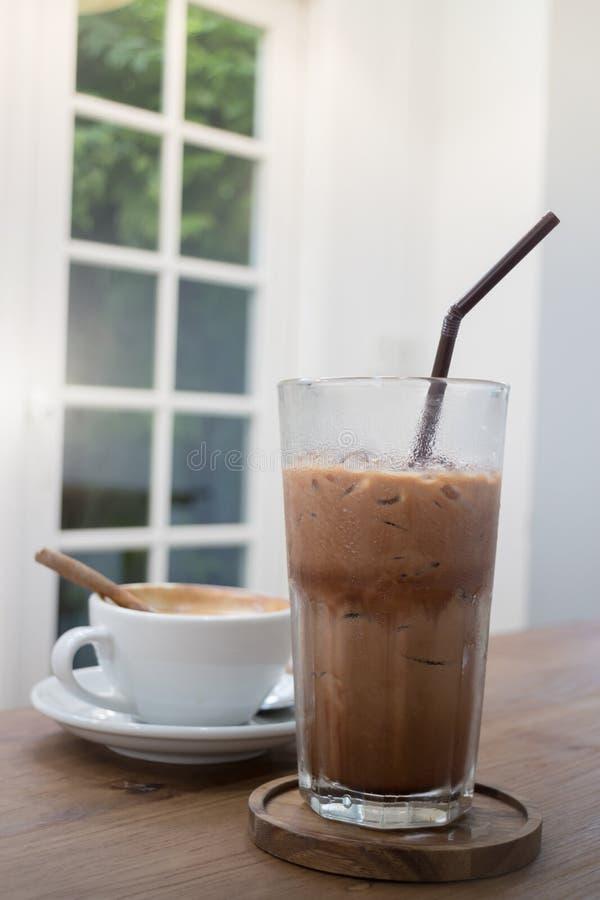 Горячее и холодное питье кофе стоковое фото rf