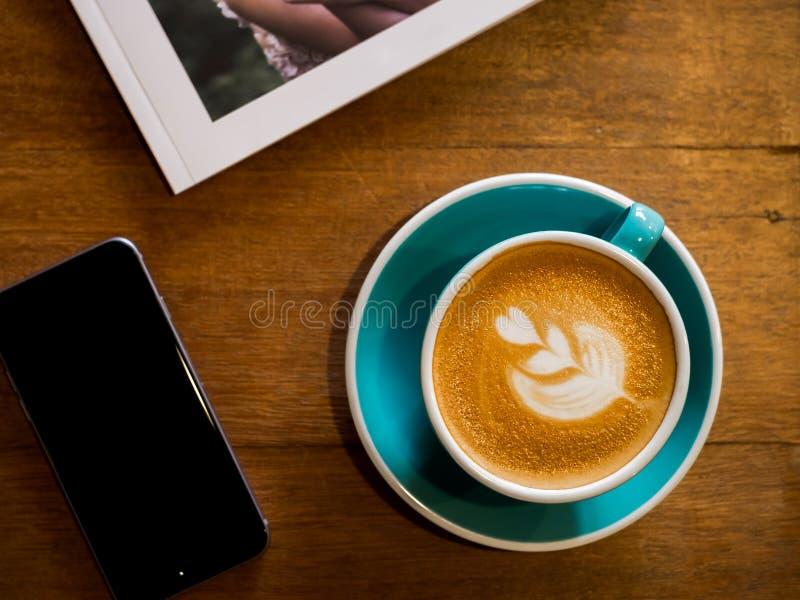 горячее latte стоковые изображения