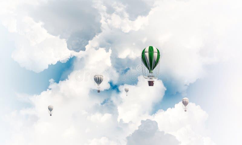 Горячие воздушные шары летая в воздухе стоковая фотография