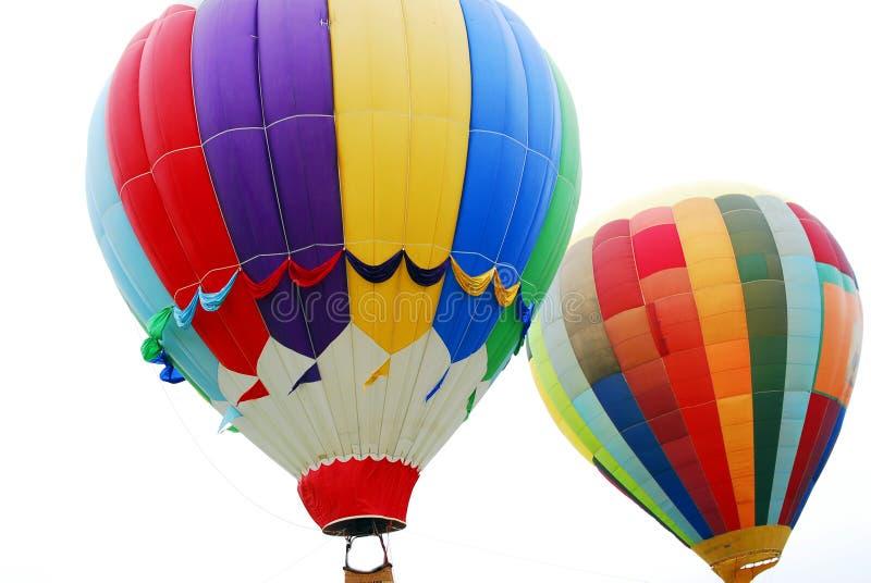 Горячие воздушные шары летая стоковые изображения