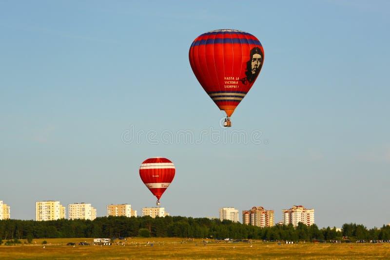 Горячие воздушные шары с изображением Ernesto Че Гевара стоковые изображения rf