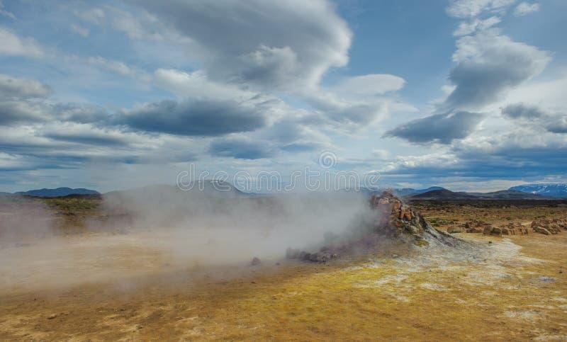 Горячие источники Hverarondor Hverir, Исландия стоковые фото