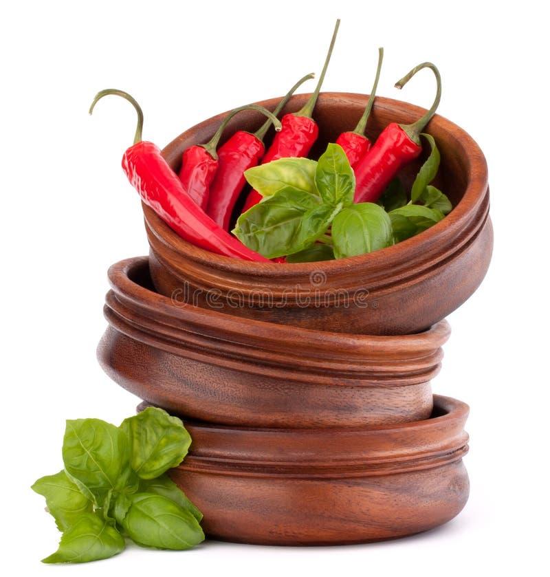 Горячий красный перец chili или чилей в деревянном стоге шаров стоковые фотографии rf