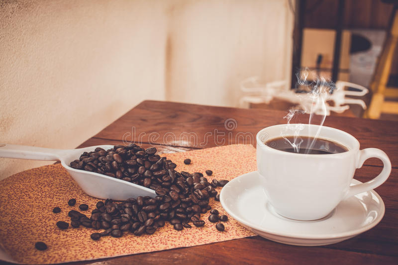 Горячий свежий кофе стоковое фото rf