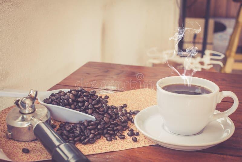 Горячий свежий кофе стоковое изображение rf