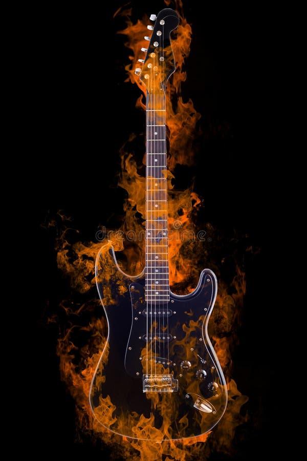 горящая электрическая гитара стоковые изображения rf