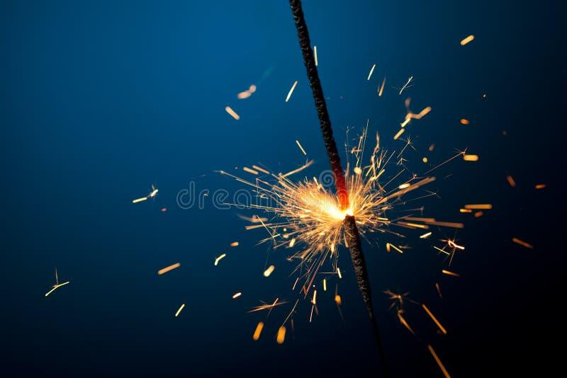 горящий sparkler стоковые фото