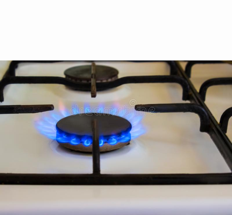 Горя газ, горелка газовой плиты, hob в кухне стоковые изображения rf