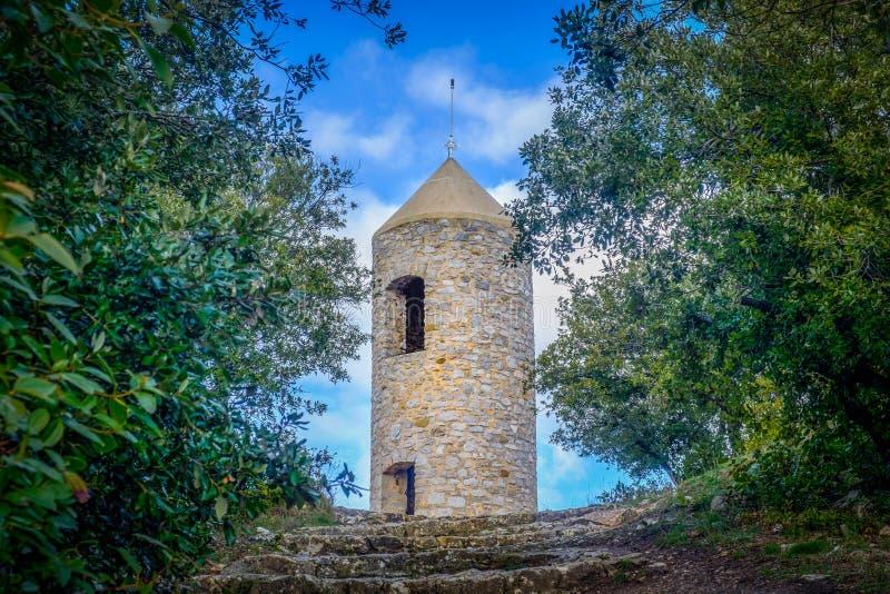 Гор-башня Свят-Джин-du-Puy Regagnas стоковые изображения