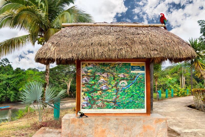 Гостиница в эквадоре с картой привлекательностей эквадора стоковые изображения rf