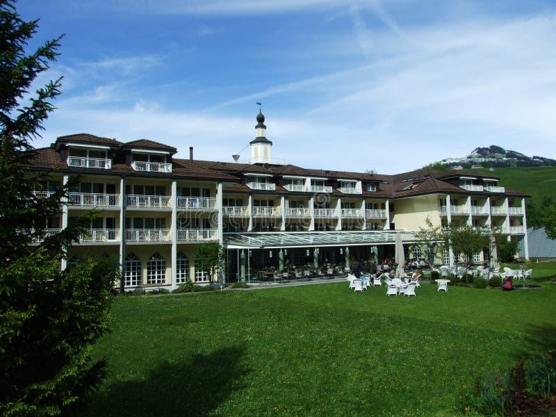 Гостиница и курорт со спа заплыва стоковая фотография