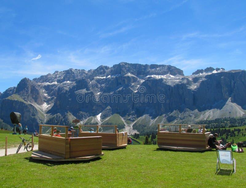 Гостиница и ресторан Refugio в Альпах стоковые фото