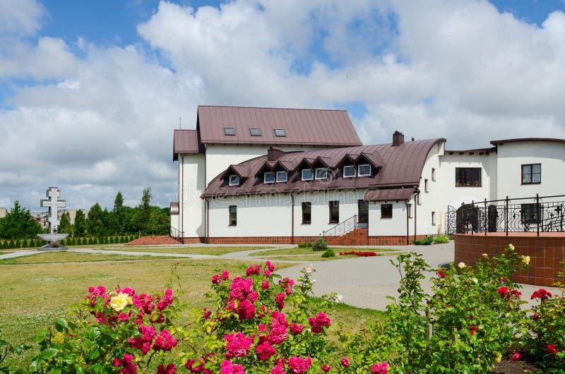 Гостиница (дом церков) на территории церков Pokrovo- Николаса, k стоковые фотографии rf