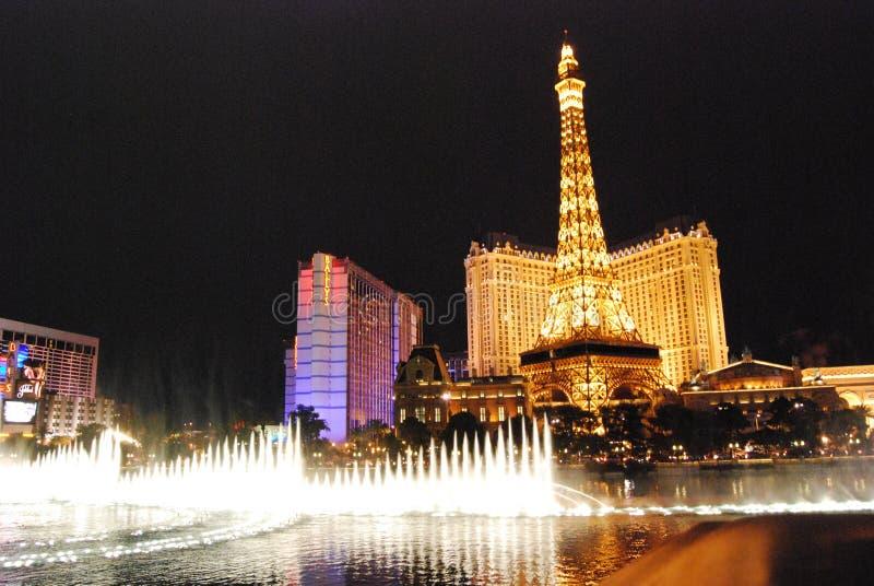 Гостиница Парижа и казино, Лас-Вегас, ориентир ориентир, ноча, метрополия, городской пейзаж стоковая фотография rf