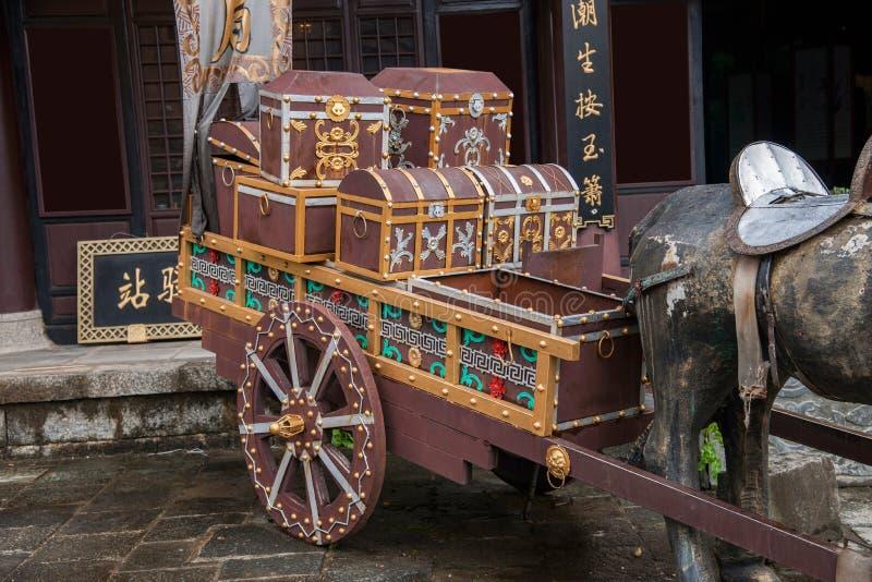 Гостиница дракона Dali City, Юньнань перед путешествовать с шпагой стоковые фотографии rf