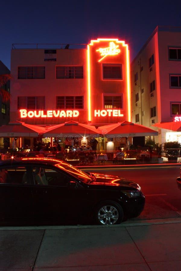 Download гостиница Miami бульвара пляжа южный Редакционное Изображение - изображение насчитывающей классицистическо, яркое: 18391980