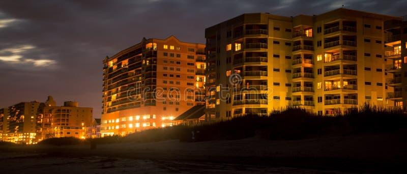 Гостиницы на ноче Myrtle Beach стоковое фото
