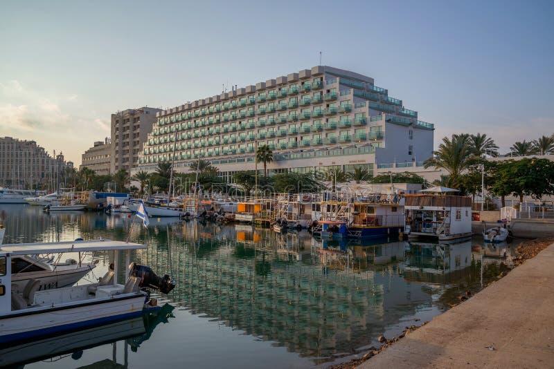 Гостиницы, яхты и шлюпки в Eilat стоковые фото