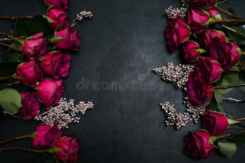 Готическая свадьба цветет бургундское расположение роз стоковая фотография rf