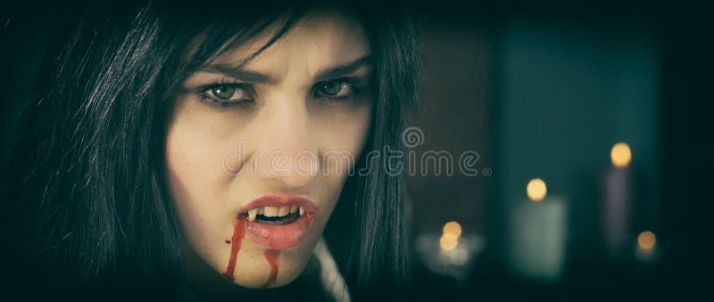 Готический вампир с стилем свечи ретро стоковое фото rf