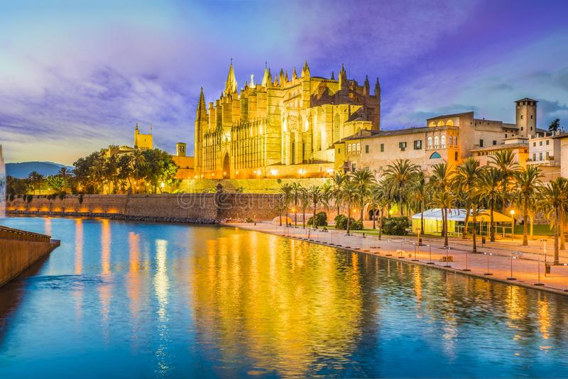 Готический собор и средневековое Ла Seu в Palma de Mallorca, Испании стоковые фотографии rf
