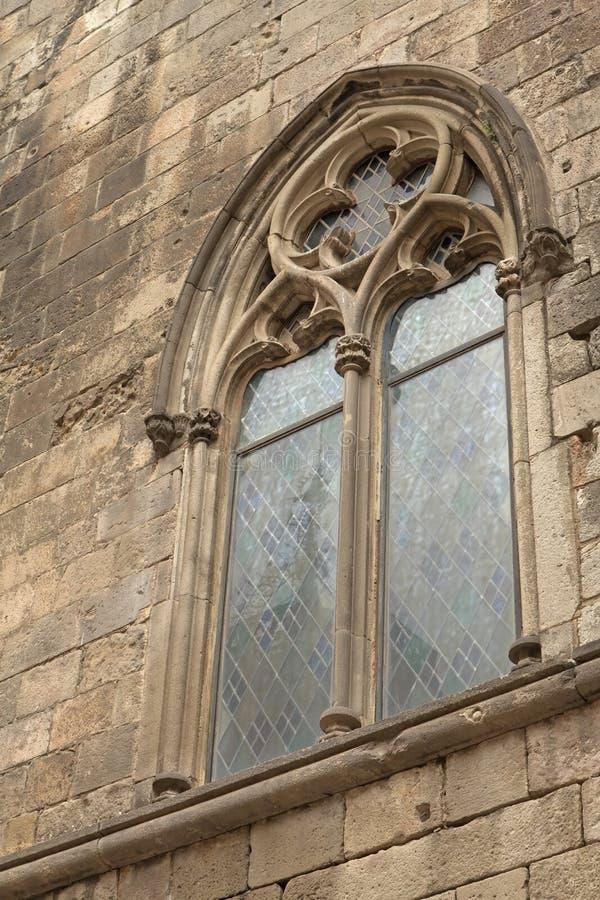 Готическое окно (Барселона) стоковое изображение