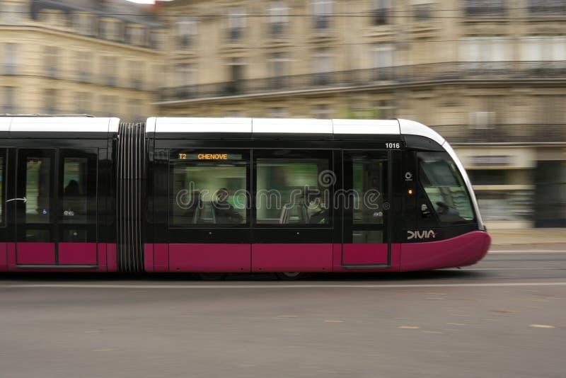 Готовить трамвая Дижона, Франция стоковая фотография rf