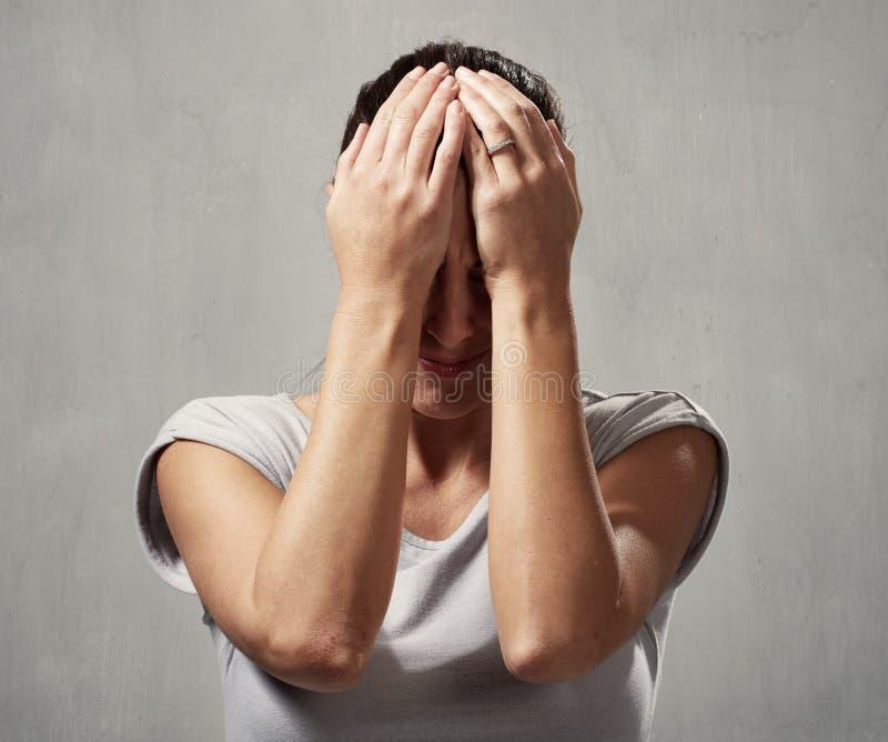 Головная боль женщины стоковые фотографии rf