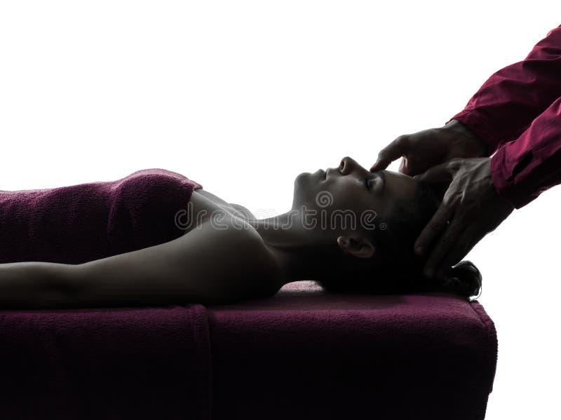 Головной силуэт терапией массажа стоковые изображения rf