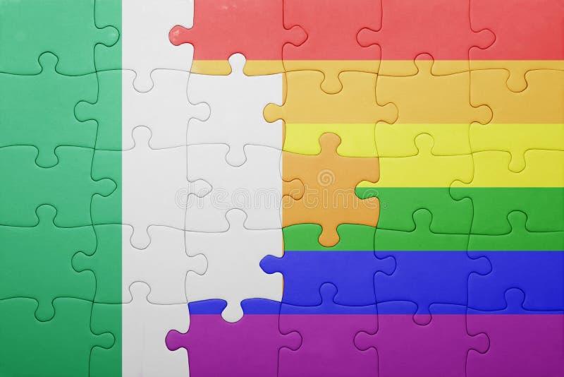 Головоломка с национальным флагом Ирландии и гомосексуалист сигнализируют стоковая фотография rf